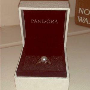 Pearl pandora ring with box